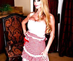Category: taylor wane