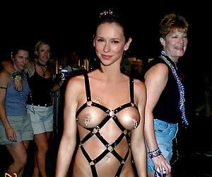 Category: jennifer love hewitt